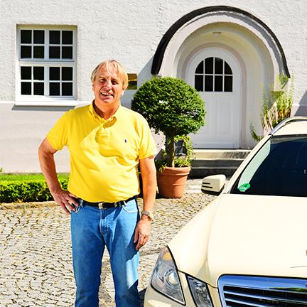 http://www.taxi-bartel.de/wp-content/uploads/2015/09/432px-manfred-bartel.jpg